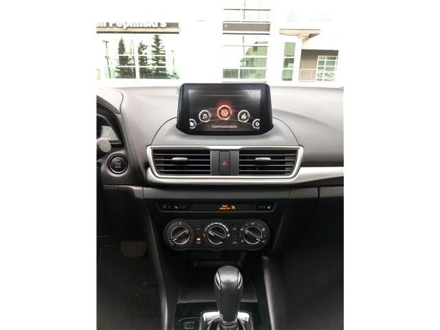 2018 Mazda Mazda3 SE (Stk: NE040) in Calgary - Image 13 of 20