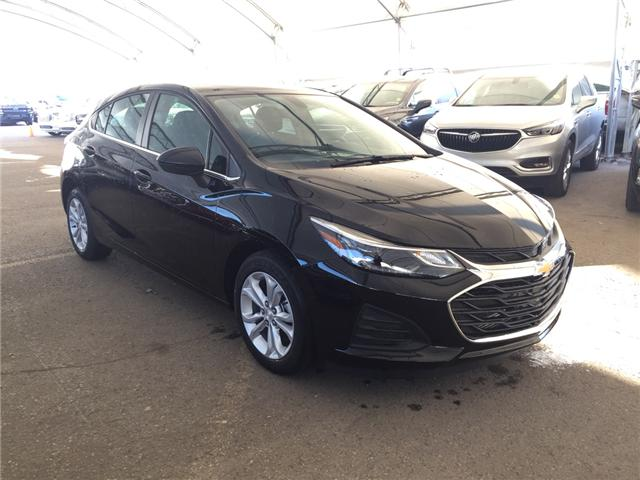 2019 Chevrolet Cruze LT (Stk: 168967) in AIRDRIE - Image 1 of 24