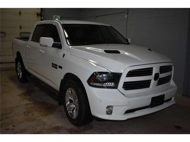 2016 RAM 1500 SPORT CREW 4X4-  CRUISE * A/C * PWR DRIVER SEAT (Stk: B2768) in Kingston - Image 2 of 29