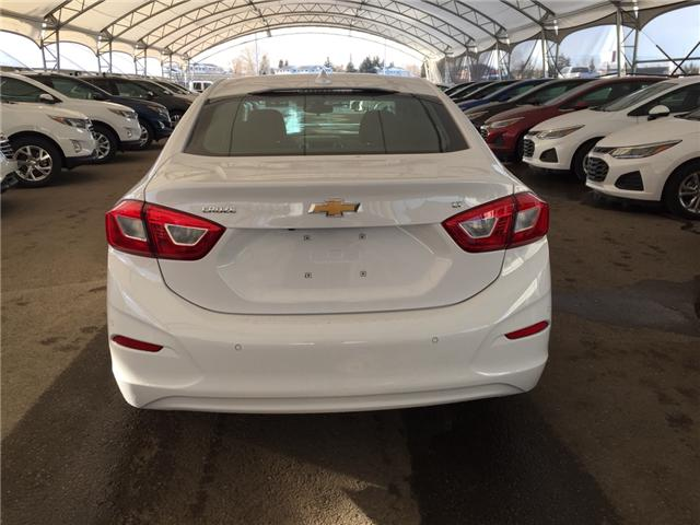 2019 Chevrolet Cruze LT (Stk: 169472) in AIRDRIE - Image 5 of 25