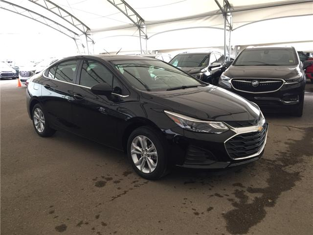 2019 Chevrolet Cruze LT (Stk: 169355) in AIRDRIE - Image 1 of 26