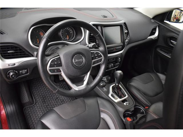 2017 Jeep Cherokee TRAILHAWK 4X4- BACKUP CAM * LEATHER * HEATED SEATS (Stk: B2847) in Kingston - Image 2 of 30