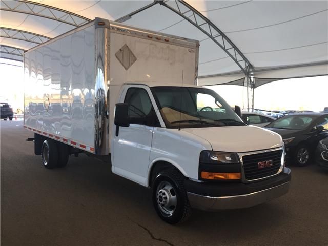 2016 GMC Savana Cutaway 3500 1WT (Stk: 170264) in AIRDRIE - Image 1 of 16