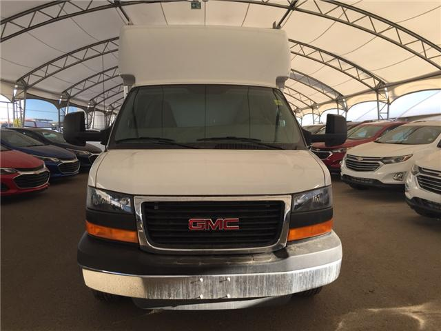 2016 GMC Savana Cutaway 3500 1WT (Stk: 142818) in AIRDRIE - Image 2 of 22