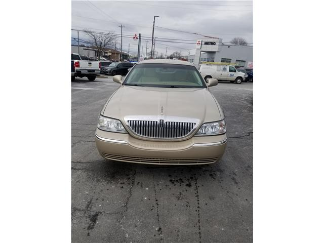 2011 Lincoln TownCar Signature Limited (Stk: p18-250) in Dartmouth - Image 2 of 11