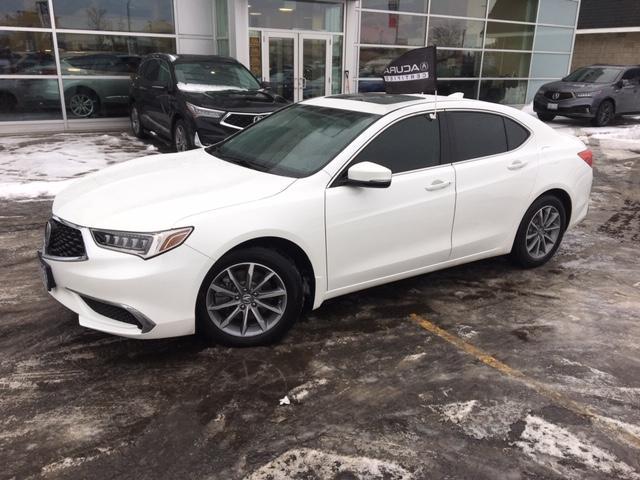 2018 Acura TLX Tech (Stk: 1810250) in Hamilton - Image 2 of 23