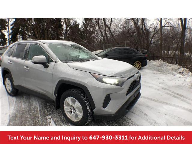 2019 Toyota RAV4 LE (Stk: K8411) in Mississauga - Image 2 of 19