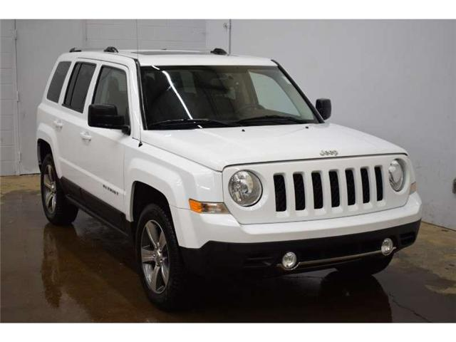 2017 Jeep Patriot HIGH ALTITUDE-HEATED SEATS * LEATHER * SUNROOF (Stk: B3187) in Kingston - Image 2 of 30