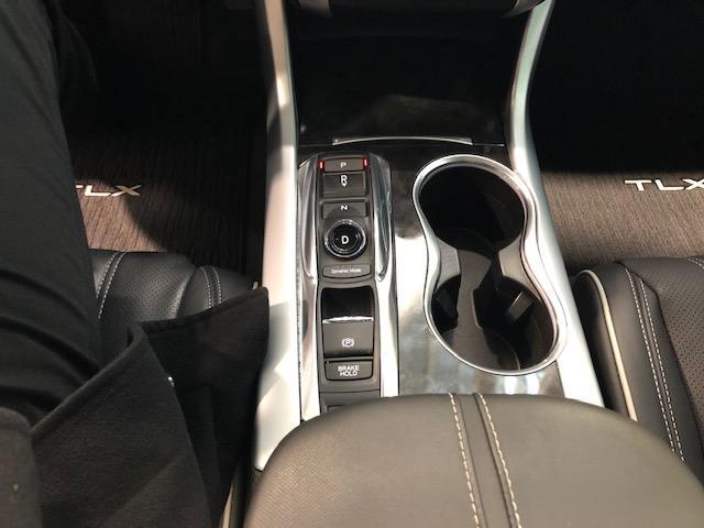 2018 Acura TLX Elite (Stk: 1813220) in Hamilton - Image 11 of 15