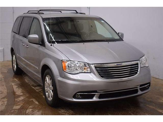 2015 Chrysler Town & Country TOURING - BACKUP CAM * FULL STOW N GO * SAT RADIO  (Stk: B3012A) in Kingston - Image 2 of 30