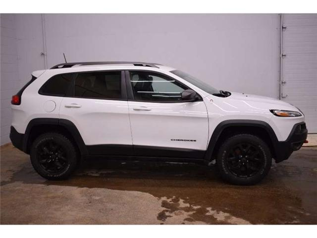 2016 Jeep Cherokee TRAILHAWK 4X4 - NAV * BACKUP CAM * HTD SEATS (Stk: B3204) in Napanee - Image 1 of 30
