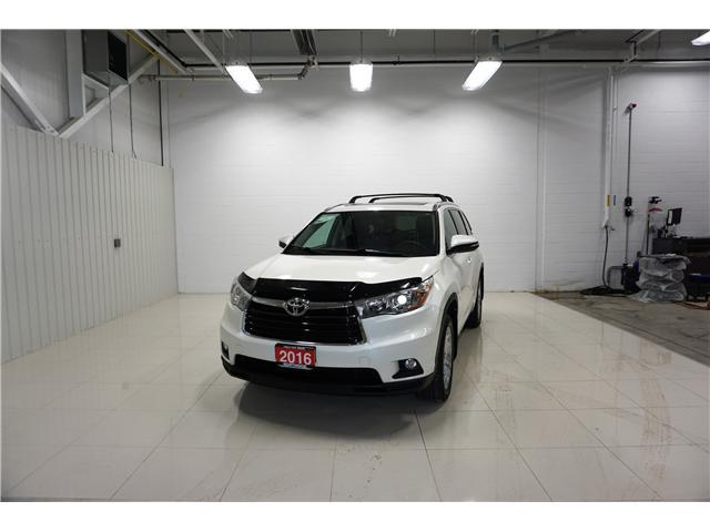 2016 Toyota Highlander Limited (Stk: P5174) in Sault Ste. Marie - Image 1 of 22