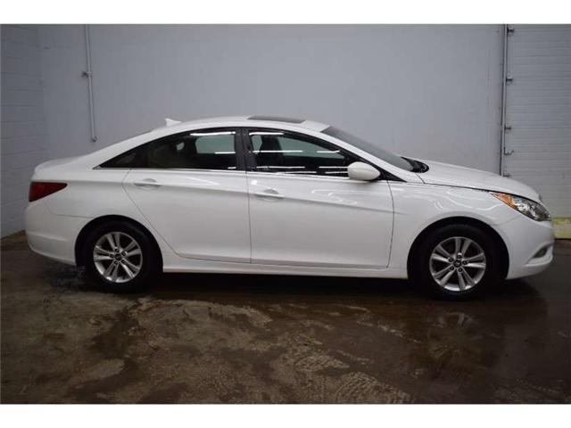 2012 Hyundai Sonata GLS- HEATED SEATS * SUNROOF * SAT RADIO READY (Stk: B3341) in Napanee - Image 1 of 30