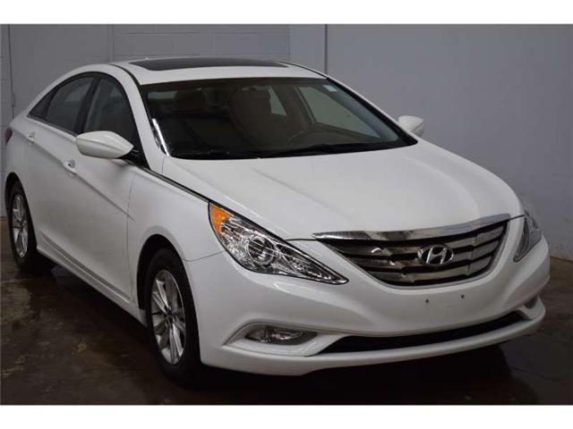 2012 Hyundai Sonata GLS- HEATED SEATS * SUNROOF * SAT RADIO READY (Stk: B3341) in Napanee - Image 2 of 30