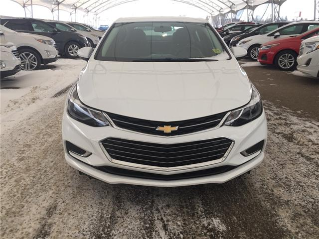 2018 Chevrolet Cruze Premier Auto (Stk: 172459) in AIRDRIE - Image 2 of 21