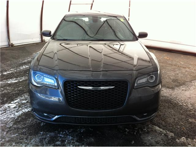 2017 Chrysler 300 S (Stk: R8313A) in Ottawa - Image 2 of 24