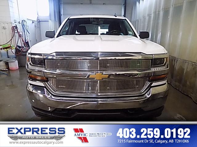2017 Chevrolet Silverado 1500 1LT (Stk: P15-1051) in Calgary - Image 2 of 16