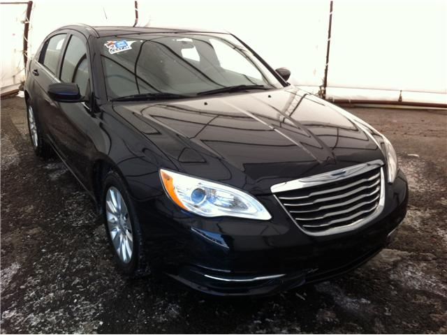 2012 Chrysler 200 LX (Stk: D8311A) in Ottawa - Image 1 of 20