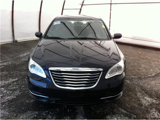 2012 Chrysler 200 LX (Stk: D8311A) in Ottawa - Image 2 of 20