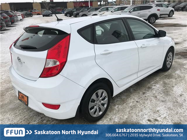 2017 Hyundai Accent LE (Stk: 39064A) in Saskatoon - Image 2 of 11