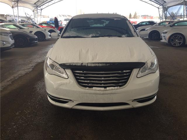 2013 Chrysler 200 Touring (Stk: 172623) in AIRDRIE - Image 2 of 17