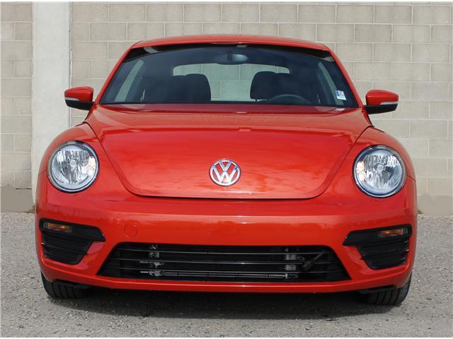 2018 Volkswagen Beetle 2.0 TSI Trendline (Stk: 68619) in Saskatoon - Image 2 of 21