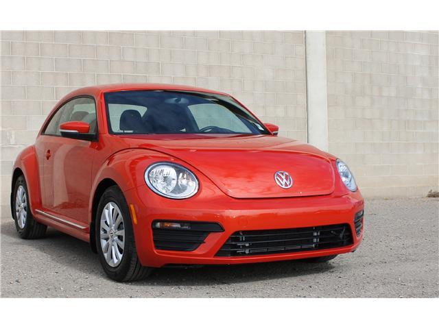 2018 Volkswagen Beetle 2.0 TSI Trendline (Stk: 68619) in Saskatoon - Image 1 of 21