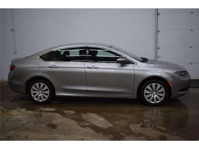 2015 Chrysler 200 LX - PUSH START * CRUISE * A/C (Stk: B3472) in Kingston - Image 1 of 30