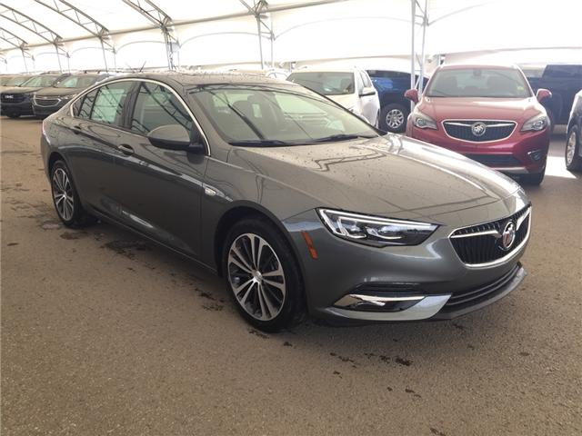 2019 Buick Regal Sportback Essence W04GR6SX6K1035943 172927 in AIRDRIE