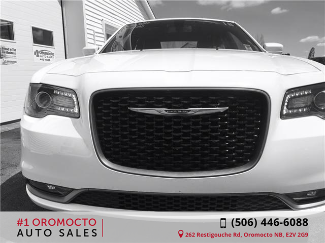 2018 Chrysler 300 S (Stk: 198) in Oromocto - Image 4 of 8