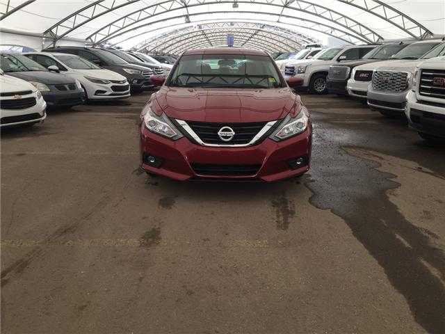 2017 Nissan Altima 2.5 (Stk: 174999) in AIRDRIE - Image 2 of 24