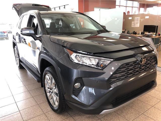 2019 Toyota RAV4 Limited (Stk: 24123) in Brampton - Image 3 of 5