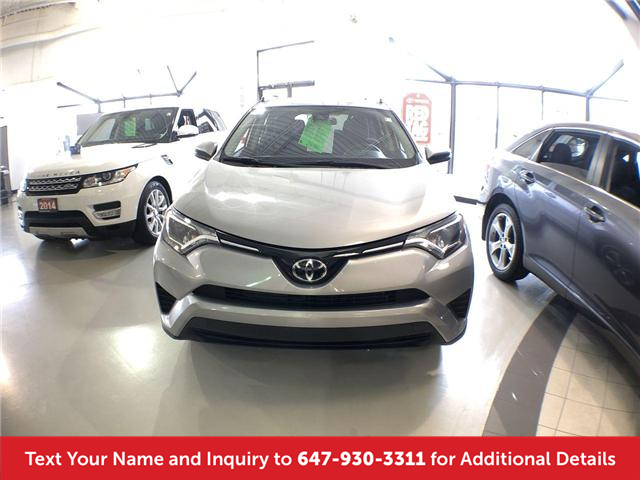 2018 Toyota RAV4 LE (Stk: 20006) in Mississauga - Image 2 of 27