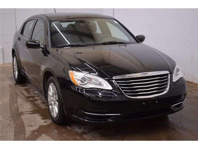 2013 Chrysler 200 LX - LOW KM * CRUISE * CLOTH * AUX READY (Stk: B3664) in Kingston - Image 2 of 30