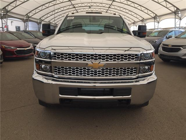 2019 Chevrolet Silverado 2500HD WT (Stk: 174502) in AIRDRIE - Image 2 of 18