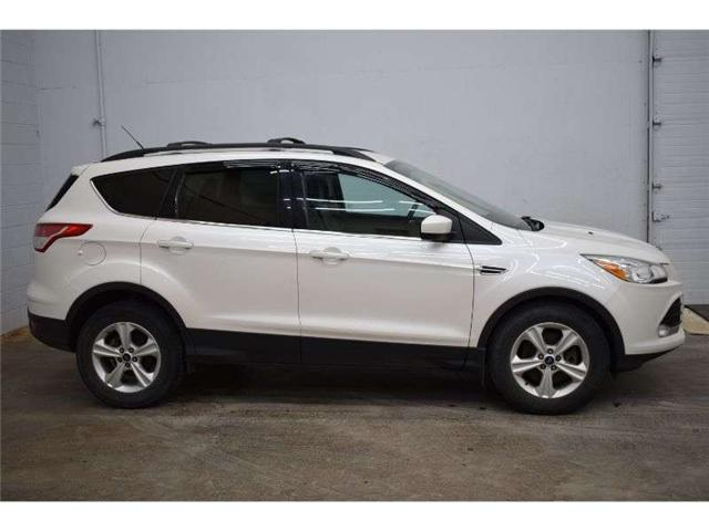2013 Ford Escape SE 4X4 - HEATED SEATS * TOUCH SCREEN * SUNROOF (Stk: B4183) in Kingston - Image 1 of 30