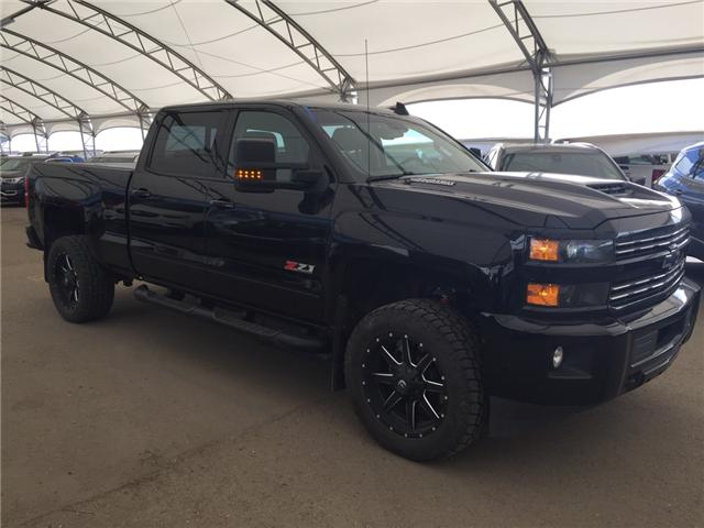 2017 Chevrolet Silverado 2500HD LTZ (Stk: 156897) in AIRDRIE - Image 1 of 29
