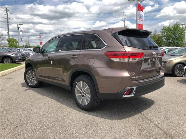 2019 Toyota Highlander XLE (Stk: 31010) in Aurora - Image 2 of 15