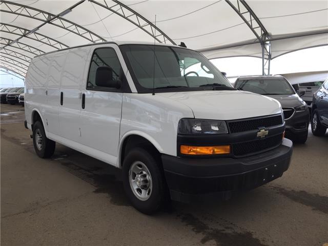 2018 Chevrolet Express 2500 Work Van (Stk: 172936) in AIRDRIE - Image 1 of 17