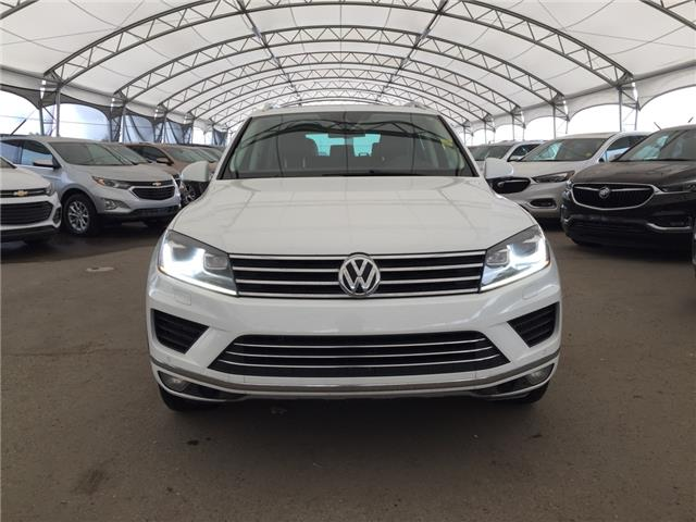 2015 Volkswagen Touareg 3.0 TDI Sportline (Stk: 175952) in AIRDRIE - Image 2 of 27