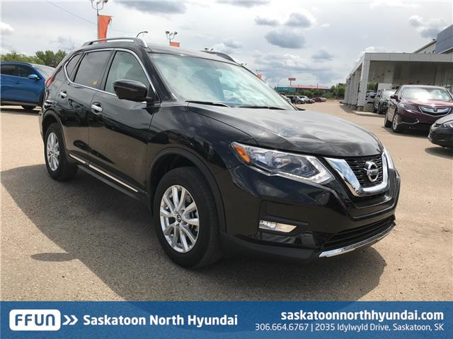 2017 Nissan Rogue SV (Stk: 40001A) in Saskatoon - Image 1 of 20