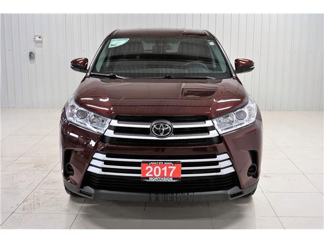 2017 Toyota Highlander LE (Stk: P5267) in Sault Ste. Marie - Image 2 of 22