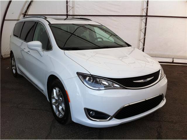 2018 Chrysler Pacifica Touring-L Plus (Stk: R8445A) in Ottawa - Image 1 of 30