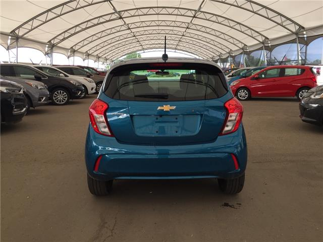 2019 Chevrolet Spark LS Manual (Stk: 175193) in AIRDRIE - Image 14 of 17