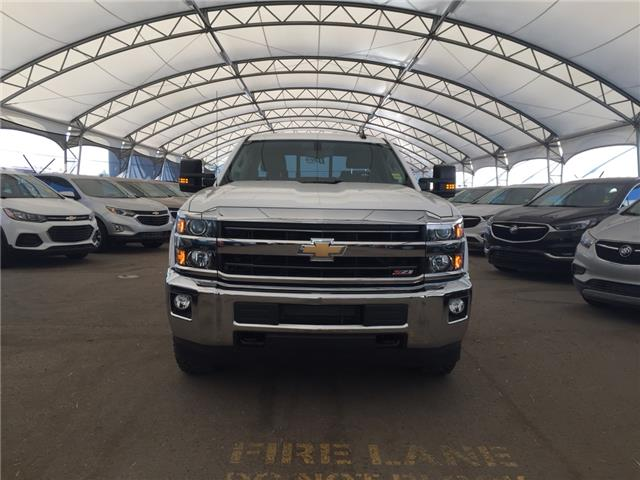 2019 Chevrolet Silverado 2500HD LT (Stk: 176860) in AIRDRIE - Image 2 of 24