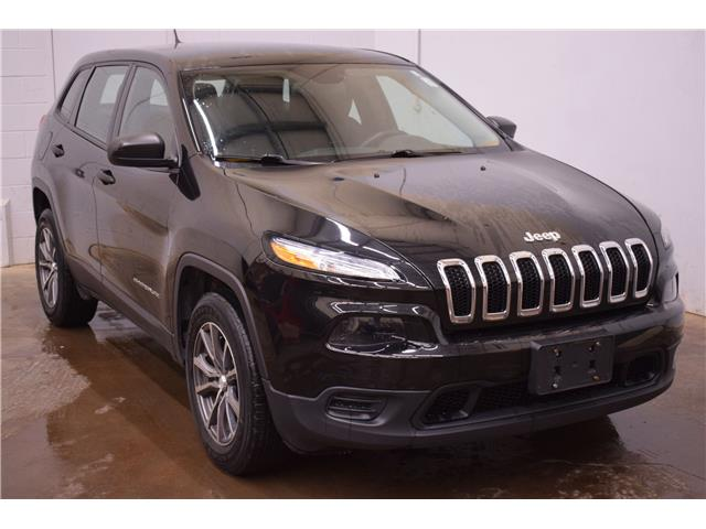 2016 Jeep Cherokee SPORT 4X4 - HTD SEATS * BACK UP CAM * REMOTE START (Stk: JGK371A) in Kingston - Image 2 of 30