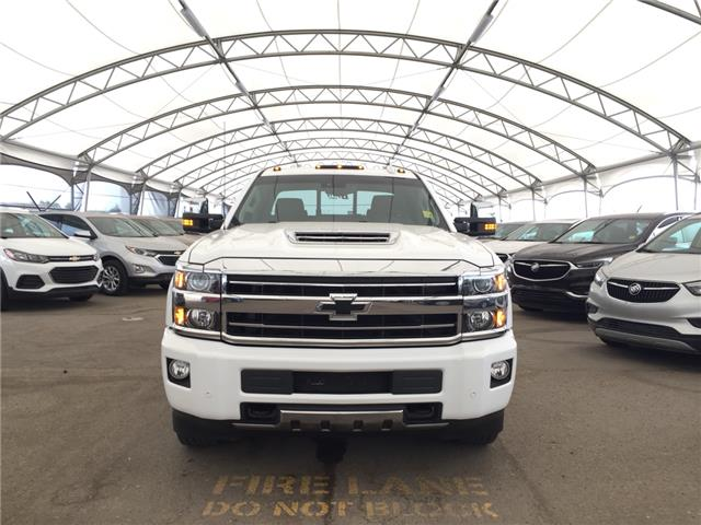 2018 Chevrolet Silverado 2500HD High Country (Stk: 161695) in AIRDRIE - Image 2 of 28