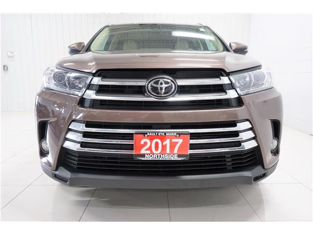 2017 Toyota Highlander XLE (Stk: P5455) in Sault Ste. Marie - Image 2 of 25
