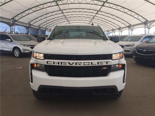 2019 Chevrolet Silverado 1500 Silverado Custom (Stk: 172734) in AIRDRIE - Image 2 of 24