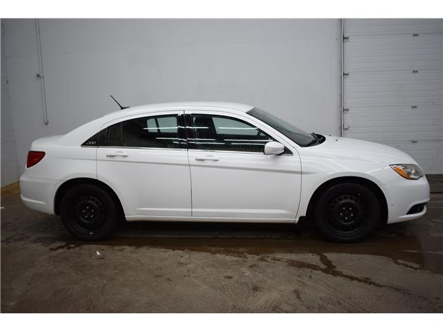 2013 Chrysler 200 Touring - REMOTE STARTER * HTD SEATS * CLOTH * A/C (Stk: B4338A) in Kingston - Image 1 of 30